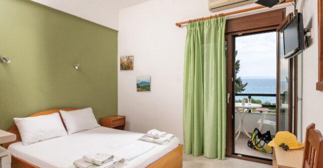Sea view double-bed studios